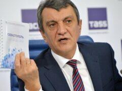 Фальшивый гимн России омрачил съезд совета при губернаторе Севастополя
