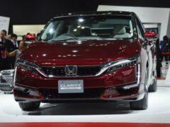 Honda планирует выпустить гибридную и электрифицированную версию Clarity