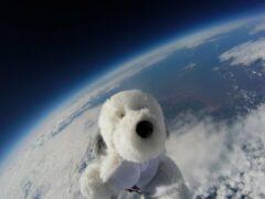Видео: Британские школьники запустили в небо щенка с GoPro
