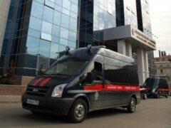 В Саратове полицейские избили и ограбили прохожего