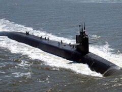 Испанский катер устроил нервотрепку атомной подлодке США в Гибралтаре