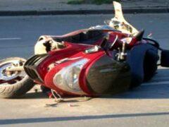В Ленобласти погибли двое парней на скутере в столкновении с КамАЗом