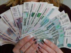 Лжесотрудницы собеса украли у петербурженки полмиллиона рублей