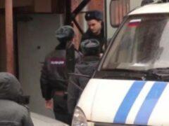 Петербург: На проспекте Энгельса врач ВМА отстреливался от бандитов с битой