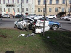 В Петербурге в массовом ДТП с автобусом пострадал один водитель