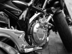 Мотоциклист попал в аварию на Выборгском шоссе в Петербурге