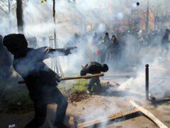 Журналисты ВГТРК и RT пострадали в ходе беспорядков в Париже
