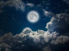 Ученые разгадали тайну «лунной воды»