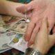 В Москве у 20-летней девушки сняли порчу за миллион рублей