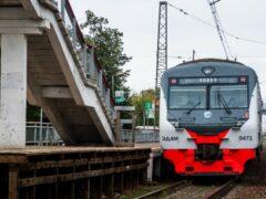 На юге Москвы электричка насмерть сбила 35-летнего мужчину