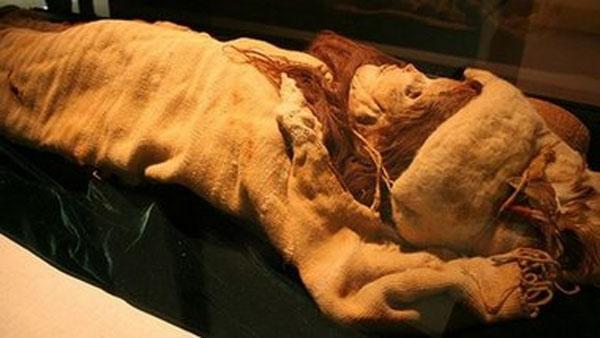 Тысячелетние мумии женщины и двух детей обнаружили археологи в Чили