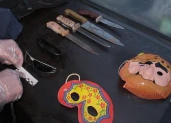 маски ножи грабежи