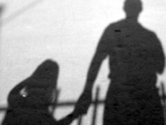 В Прокопьевске 40-летний мужчина сожительствовал с 12-летней девочкой