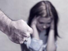 Жителя Пушкинского района обвиняют в изнасиловании собственной дочери