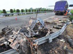 Бус врезался в машину дорожников в Кобринском районе – водитель погиб