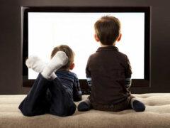 Ученые: телевизор делает кости детей слабыми