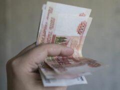 В Волгограде врач отдал полмиллиона рублей мошеннику за лечение