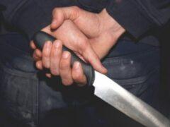 Зарезанный в подъезде курянин стал жертвой 23-летнего знакомого