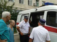 В Саратове неадекватный мужчина напал на сотрудников «скорой помощи»