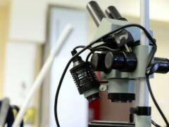 В Сочи спасатели распилили микроскоп для освобождения пальца ребенка
