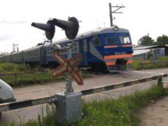 Электричка насмерть сбила мужчину на востоке Москвы