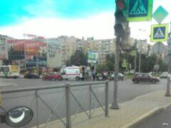 В Купчино Jaguar сбил перебегавшего дорогу пешехода