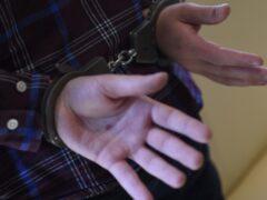 Суд арестовал напавшего на полицейского в Москве мужчину