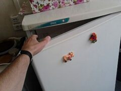 Под Волгоградом подросток украл для своей многодетной семьи холодильник