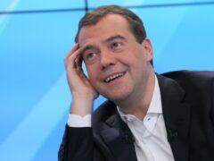 Ростовчанин попросил Путина установить зарплату Медведеву в 15 тыс. рублей