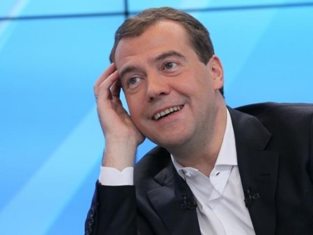 Жители России посоветовали Путину снизить Медведеву заработную плату до15 тыс. руб.
