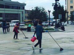 Ради Кобзона в центре Улан-Удэ помыли асфальт