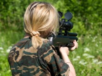 винтовка девочка