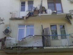 В Новороссийске в жилом доме обрушился балкон