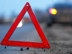 Петербург: На Долгоозерной улице сбили женщину с ребенком