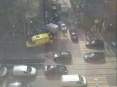 В Москве «Газель» на тротуаре сбила женщину