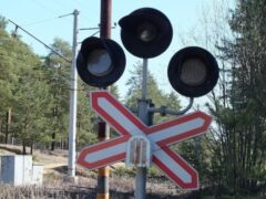 Под Владимиром поезд врезался в легковушку