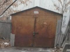 Воронежец угнал машину, вскрыв гараж углошлифовальной машиной