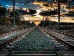 В Волгограде женщина погибла, упав с моста на железнодорожные пути