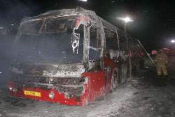 ВКазани дотла сгорел припаркованный настоянке автобус