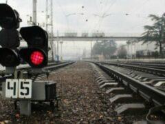 В Анжеро-Судженске грузовой поезд насмерть сбил женщину