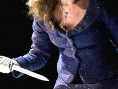 Женщина ударила собутыльника ножом в живот во время ссоры в Домодедове