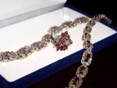 Рецидивистом украдены ювелирные изделия на 217 тысяч рублей