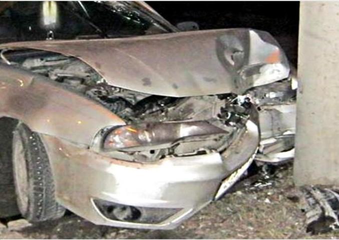 Работник автомойки угнал машину клиента иразбил ее
