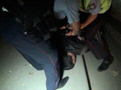 В Калуге полицейские приковали водителя к рулю и потребовали взятку