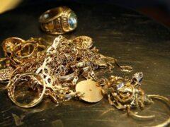Уфимка наворовала драгоценностей на 5 млн рублей
