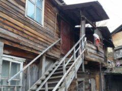 В Астрахани жителям аварийных домов выставляют счета за капитальный ремонт