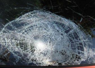 авто стекло разбито