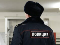 В Кузбассе полиция спасла босого прохожего от мороза и оштрафовала его