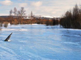река лед