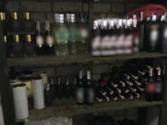 20 тысяч литров «паленого» алкоголя нашли на складе в Купчино